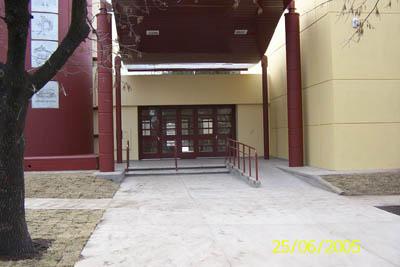 Frente escuela tejas